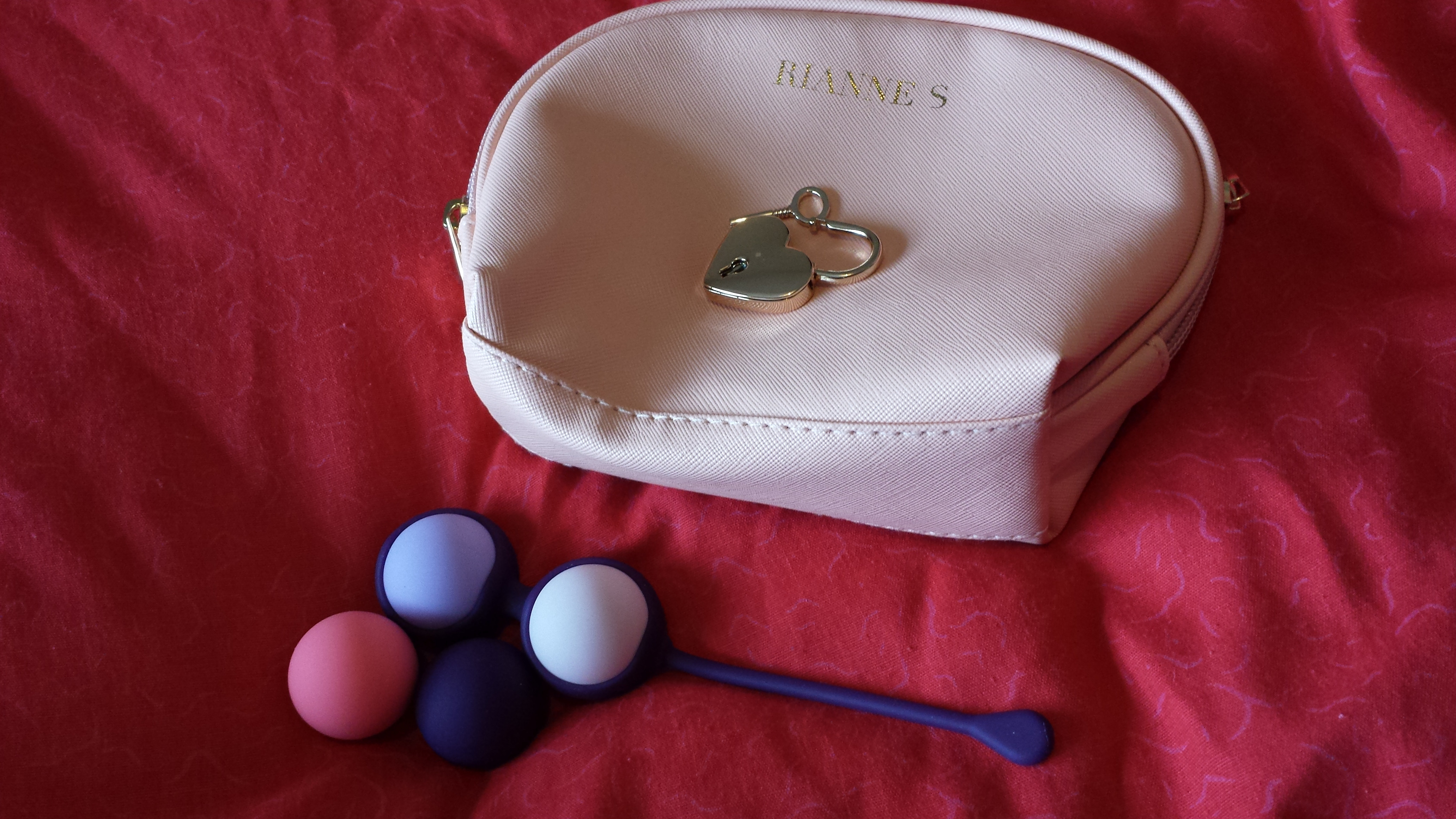 Now you can also use the Pussy Play Balls without the holder however I  would suggest that you start with the silicone holder if you are new to  Kegel balls ...